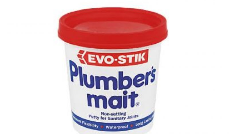Does Plumbers putty dry out or go bad?